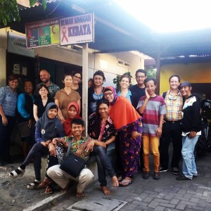 Meeting with an organization run by waria in Yogyakarta that provides care for HIV+ individuals, from assisting them with healthcare to providing them with a safe and loving environment.